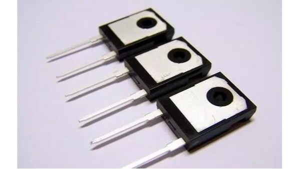 LED发光二极管辨别正负极的方法