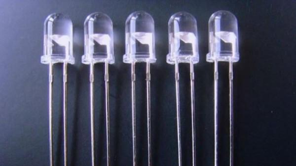 小功率直插LED灯珠的工作电压及限流电阻的选取方法