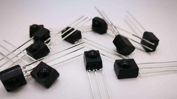 光敏二极管中的光电转换原则